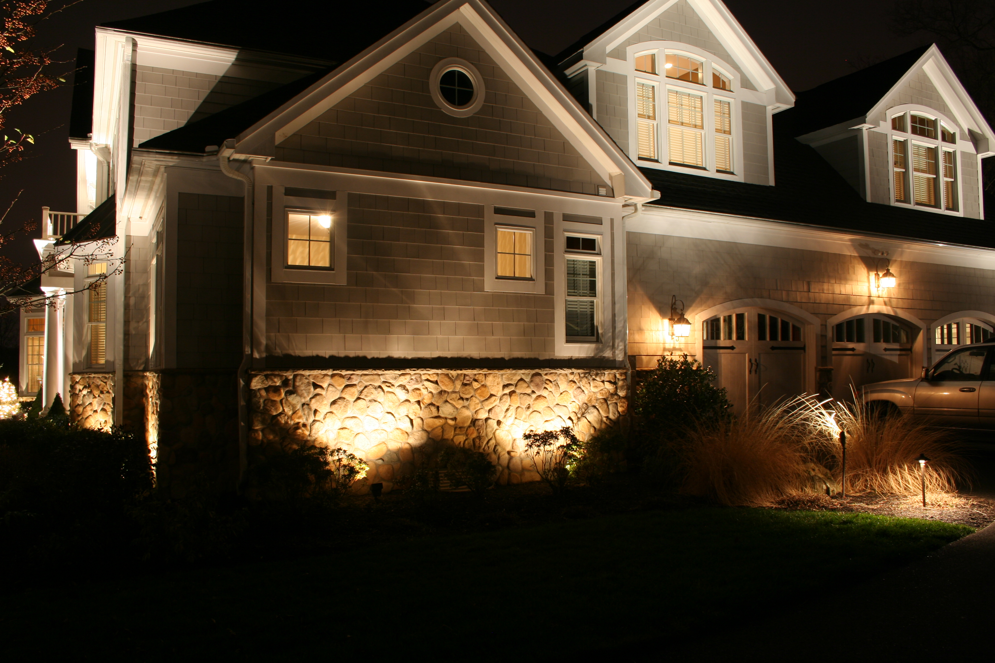 Landscape Lighting Designer Michael Gotowala shows us a night time ...