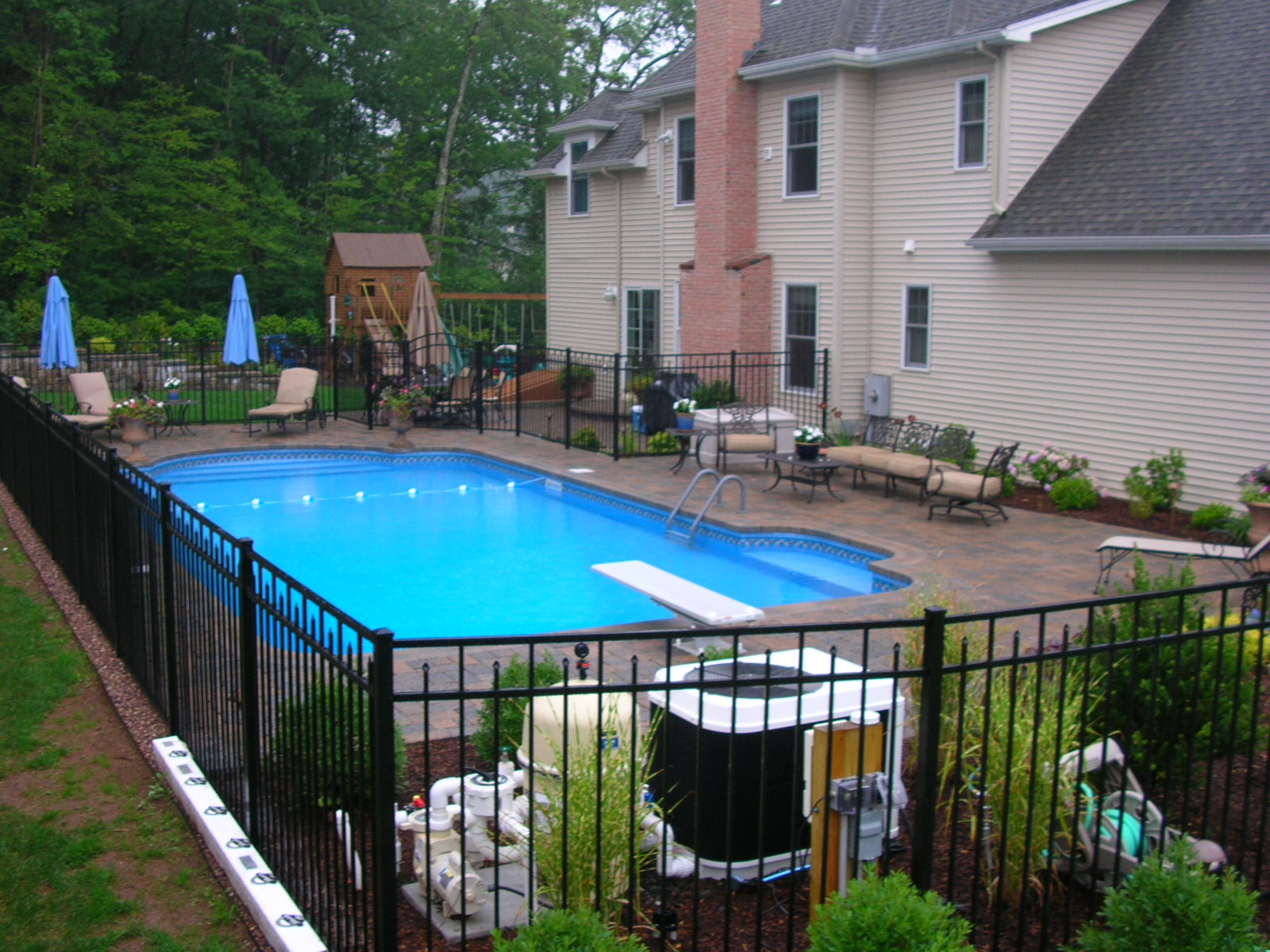 You want the pool look as good as it feels the outdoor for Pool landscaping