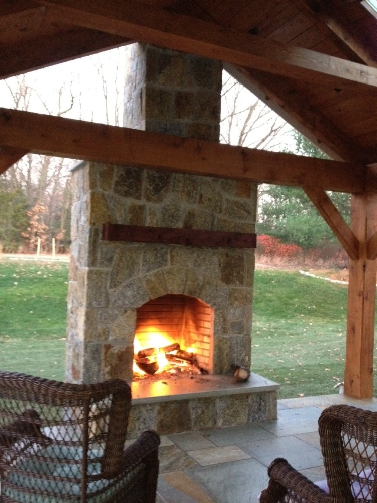Fireplaces create warmth,light, culinary delight and conversation (3/6)
