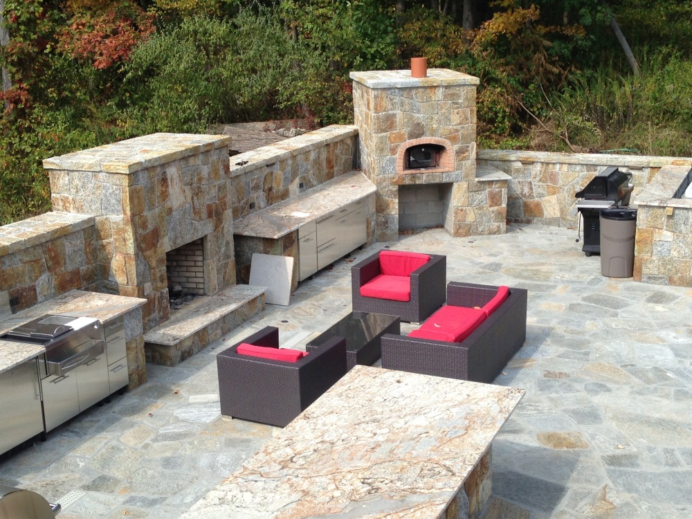 Fireplaces create warmth,light, culinary delight and conversation (4/6)