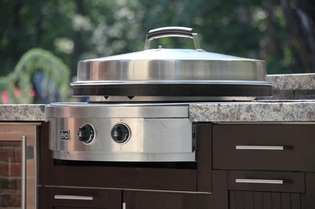 Outdoor Living should look, feel, entertain and taste Fabulous too.
